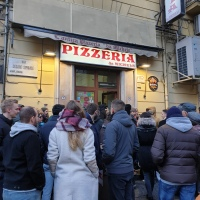 Tasting pizza in Napoli: L'Antica Pizzeria da Michele